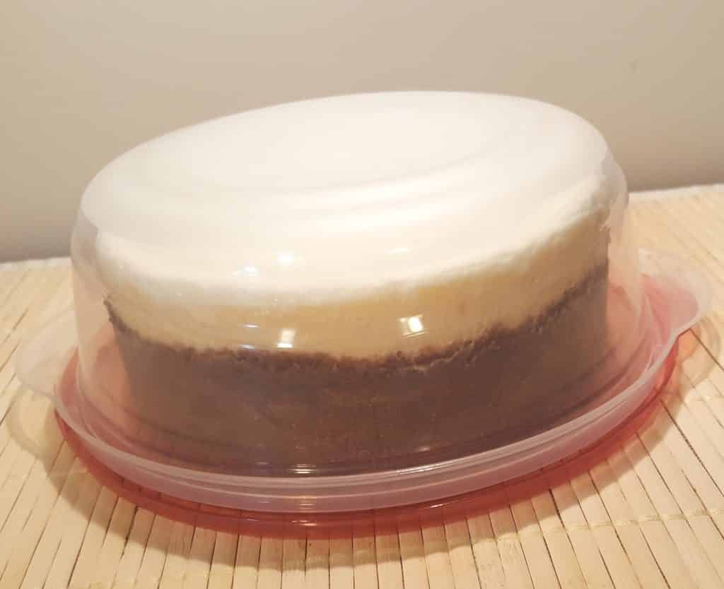 Rubbermaid Containers are great for transporting Cheesecake