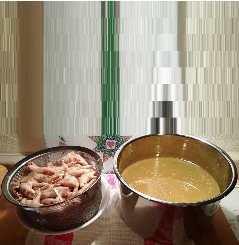 Pressure Cooker Chicken Feet Bone Broth for Cats & Dogs
