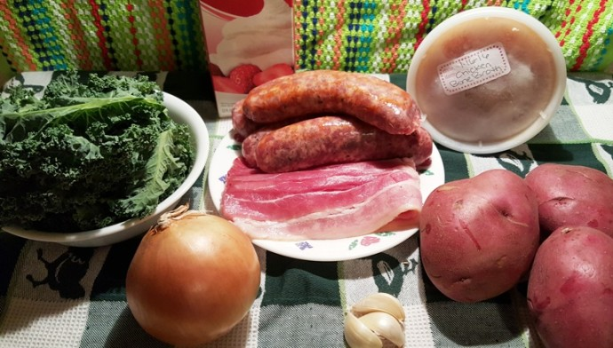 Cast of Ingredients for Pressure Cooker Olive Garden Zuppa Toscana (Italian Soup)