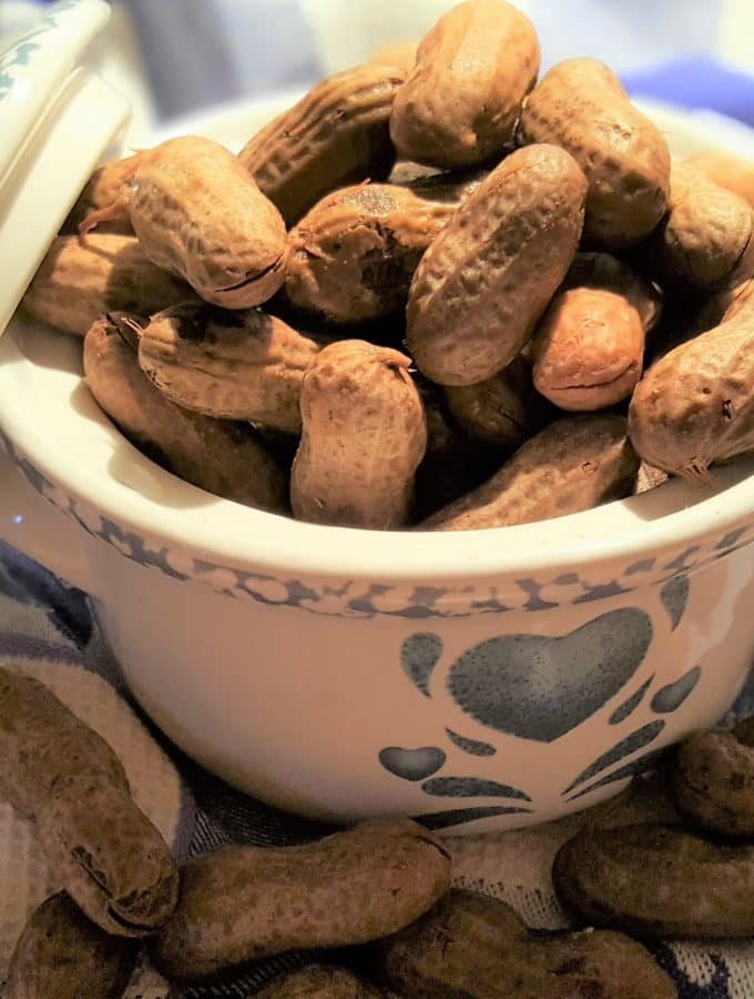 Pressure Cooker Boiled Peanuts