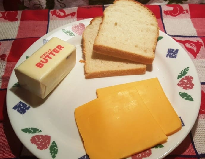 Cast of Ingredients for Air Fryer Simple Grilled American Cheese Sandwich
