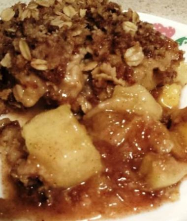 Slow Cooker Autumn's Best Apple Crisp