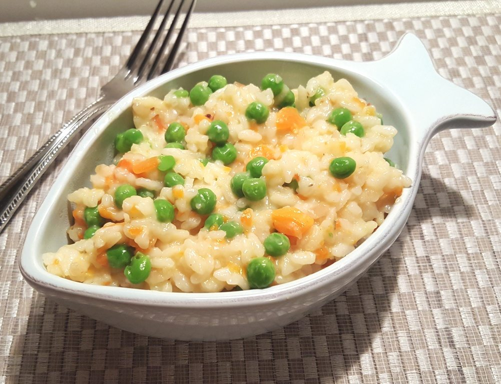 Pressure Cooker Basic Risotto Recipe with Peas and Carrots