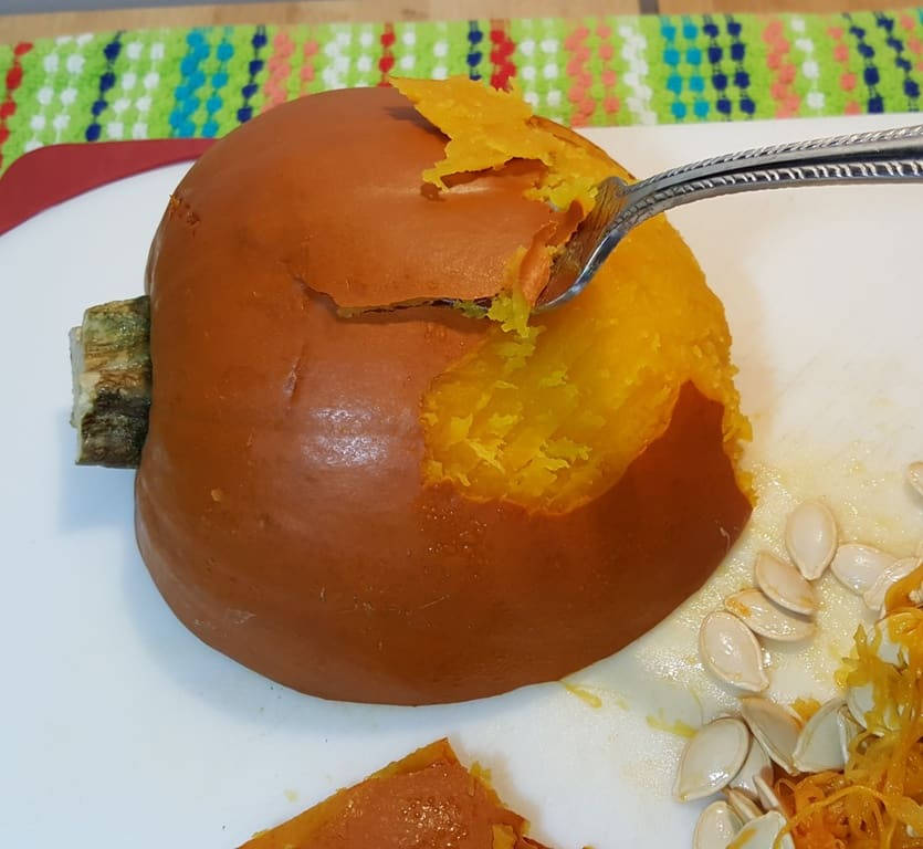 Peel off the skin of the Pie Pumpkin