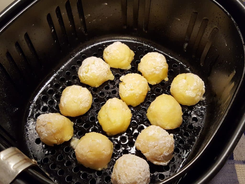 Spray the Tops of the Air Fryer Goat Cheese Polenta Bites
