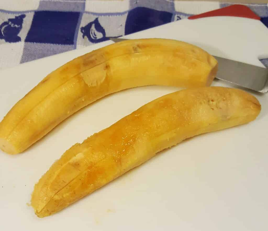 Remove the Skin from the Plantanos Bananas