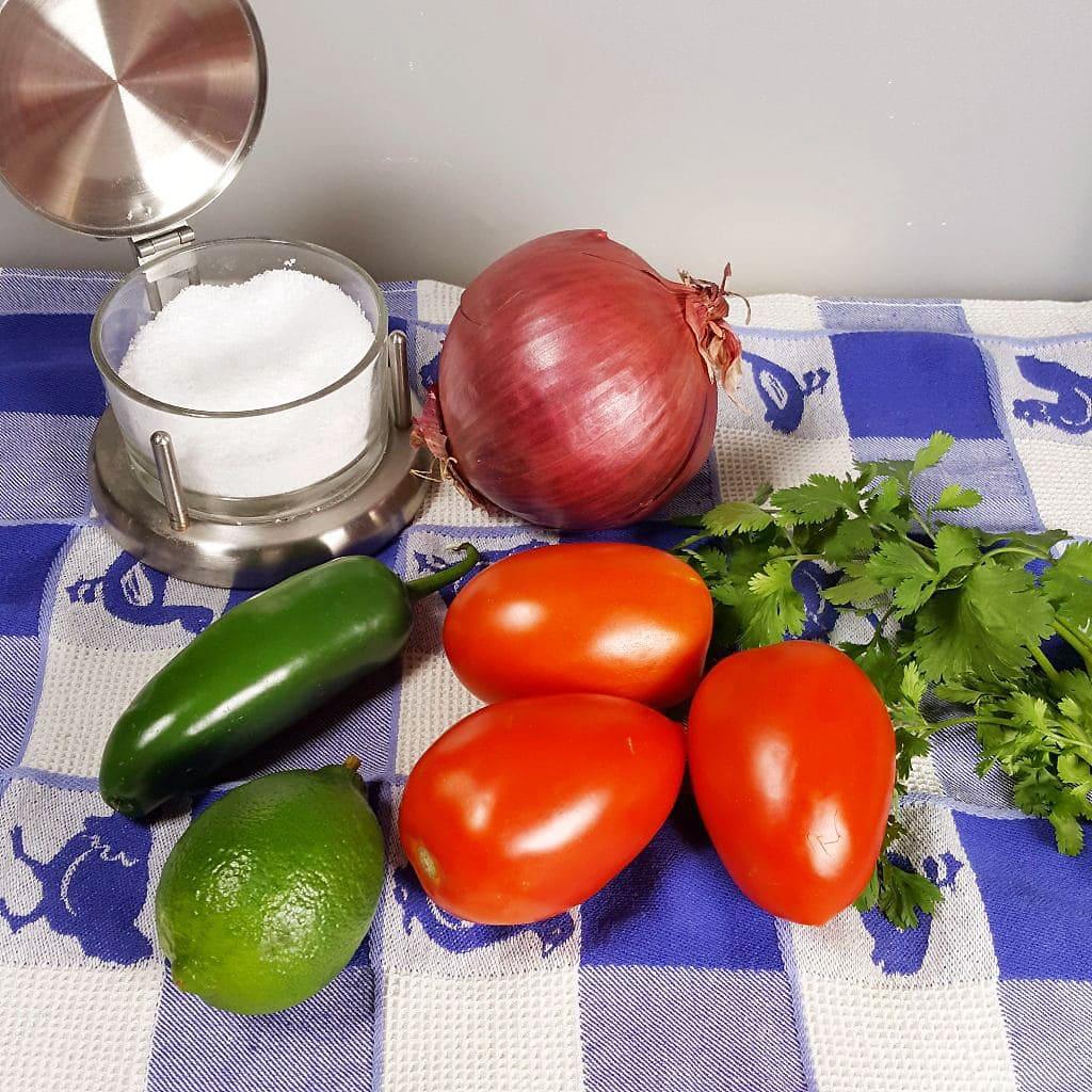 Homemade Classic Pico de Gallo {Salsa Picada}