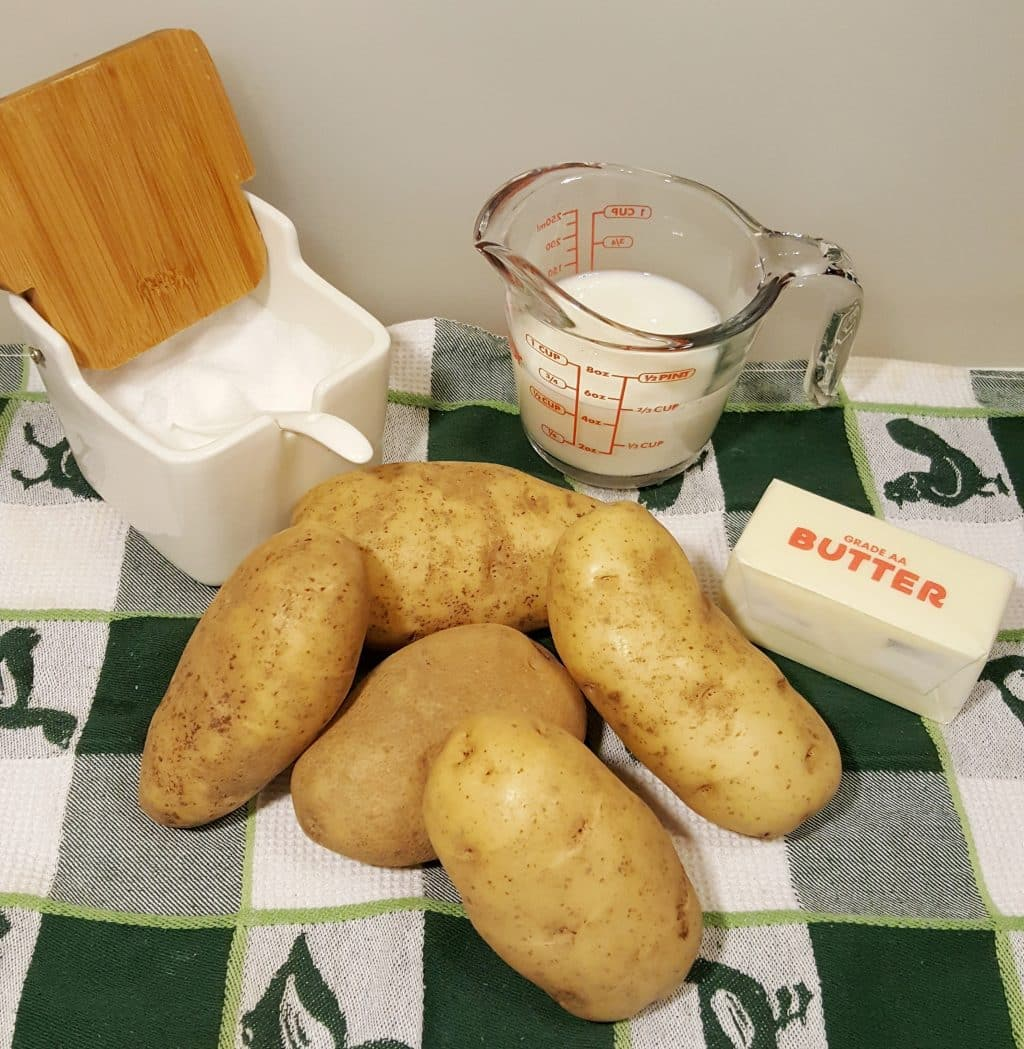 Cast of Ingredients for Pressure Cooker Instant Pot SMashed Potatoes