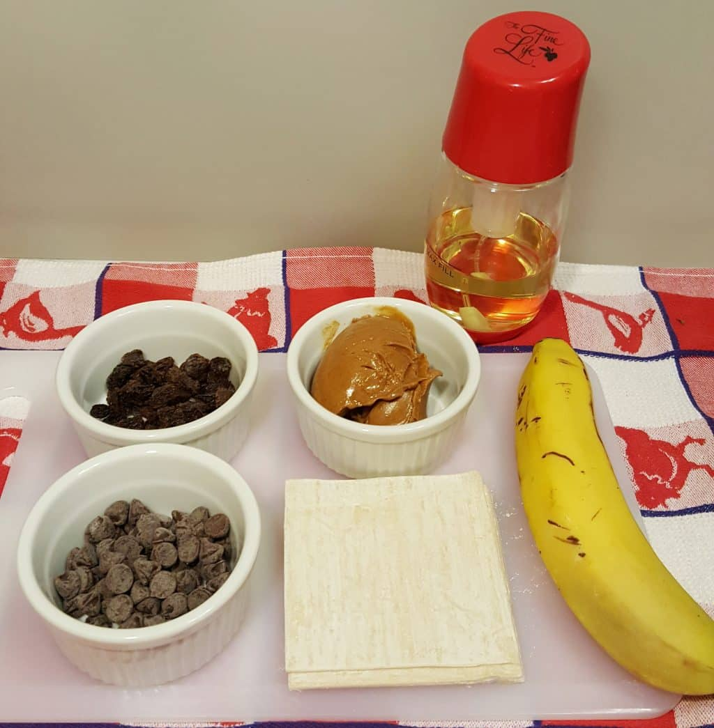 Cast of Ingredients for Air Fryer Peanut Butter Banana Dessert Bites