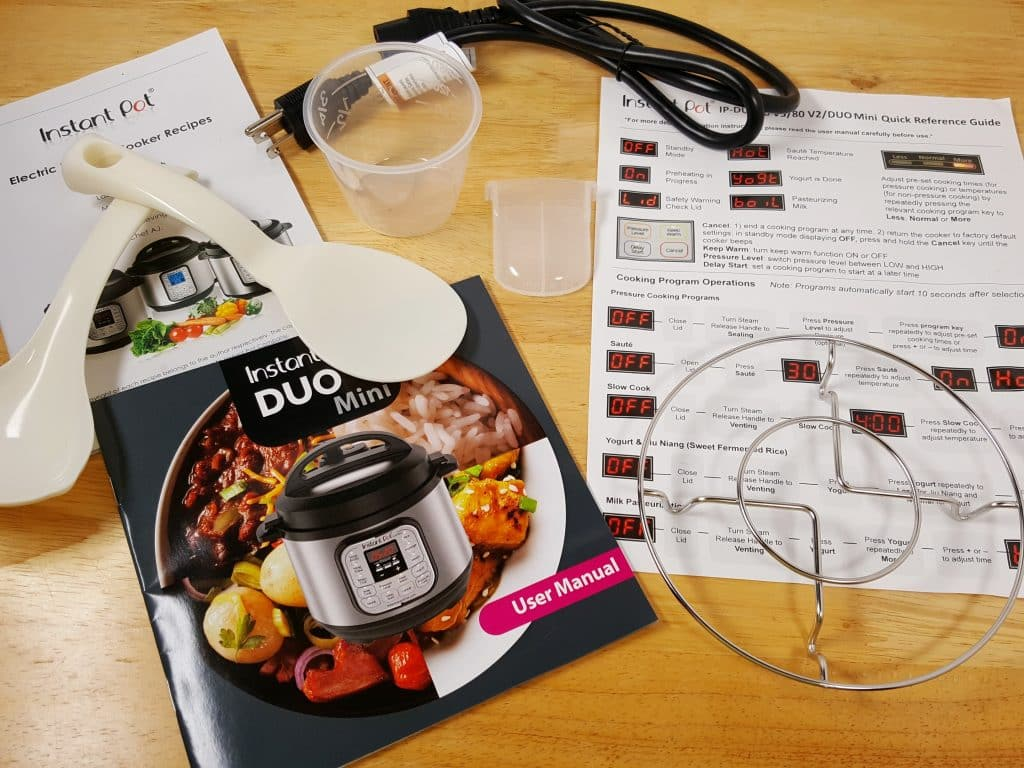 Stuff that Comes with the Instant Pot Mini
