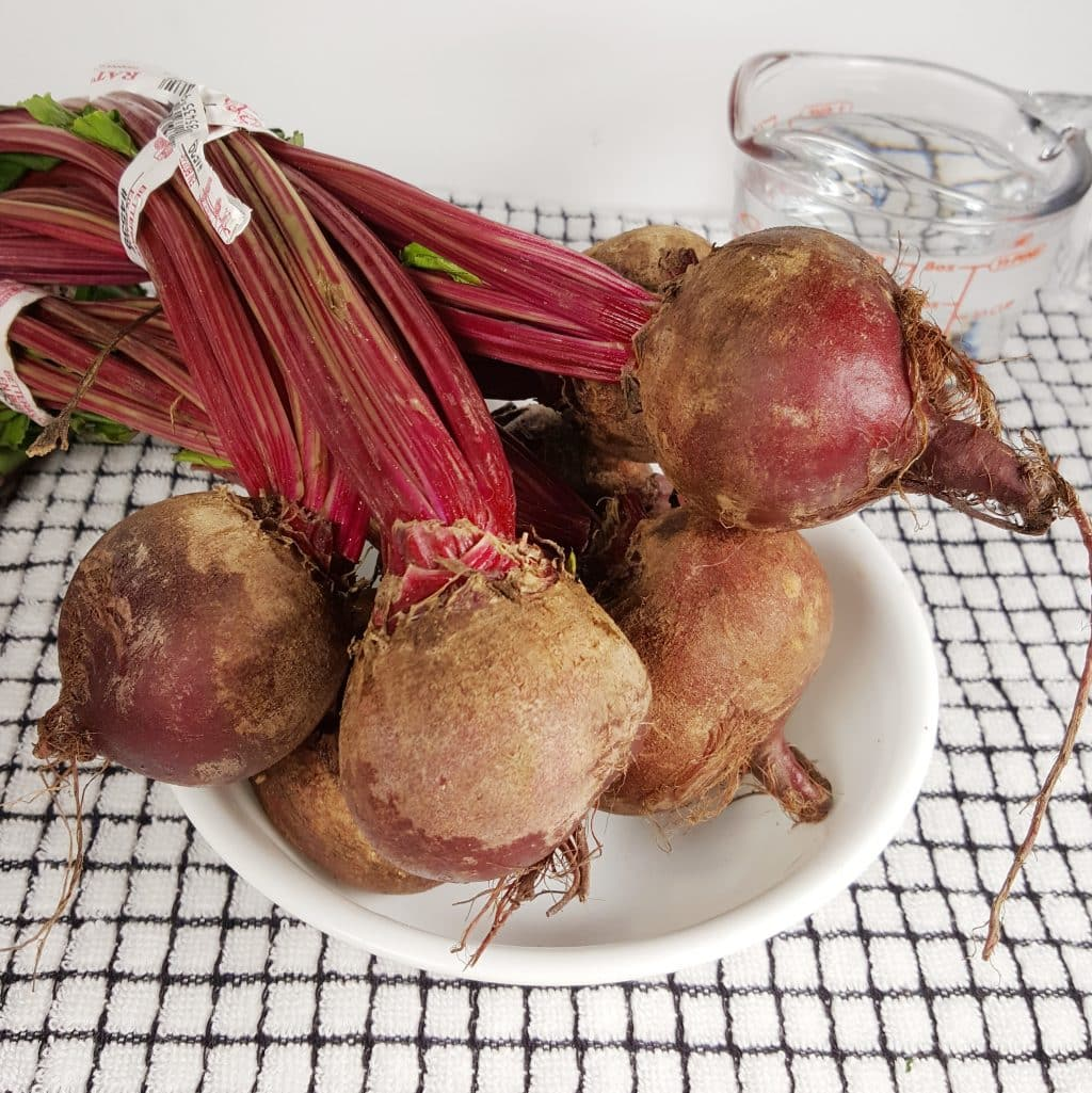 Cast of Ingredients for Instant Pot Fresh Whole Beets