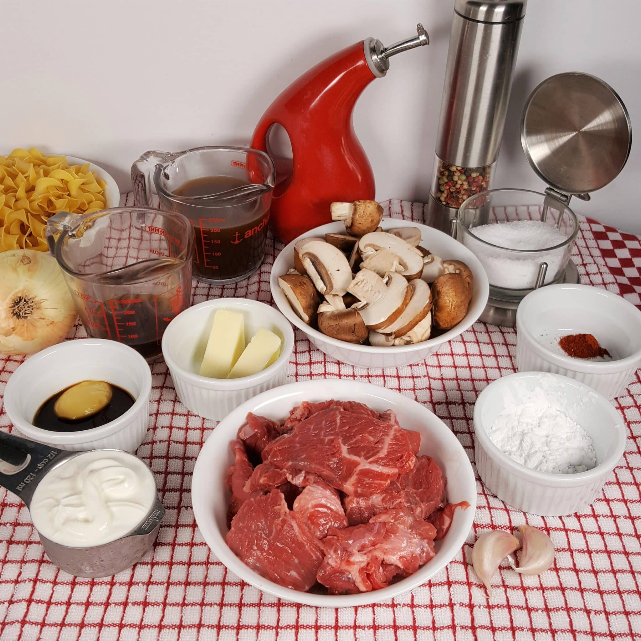 Cast of Ingredients for Instant Pot Beef Stroganoff