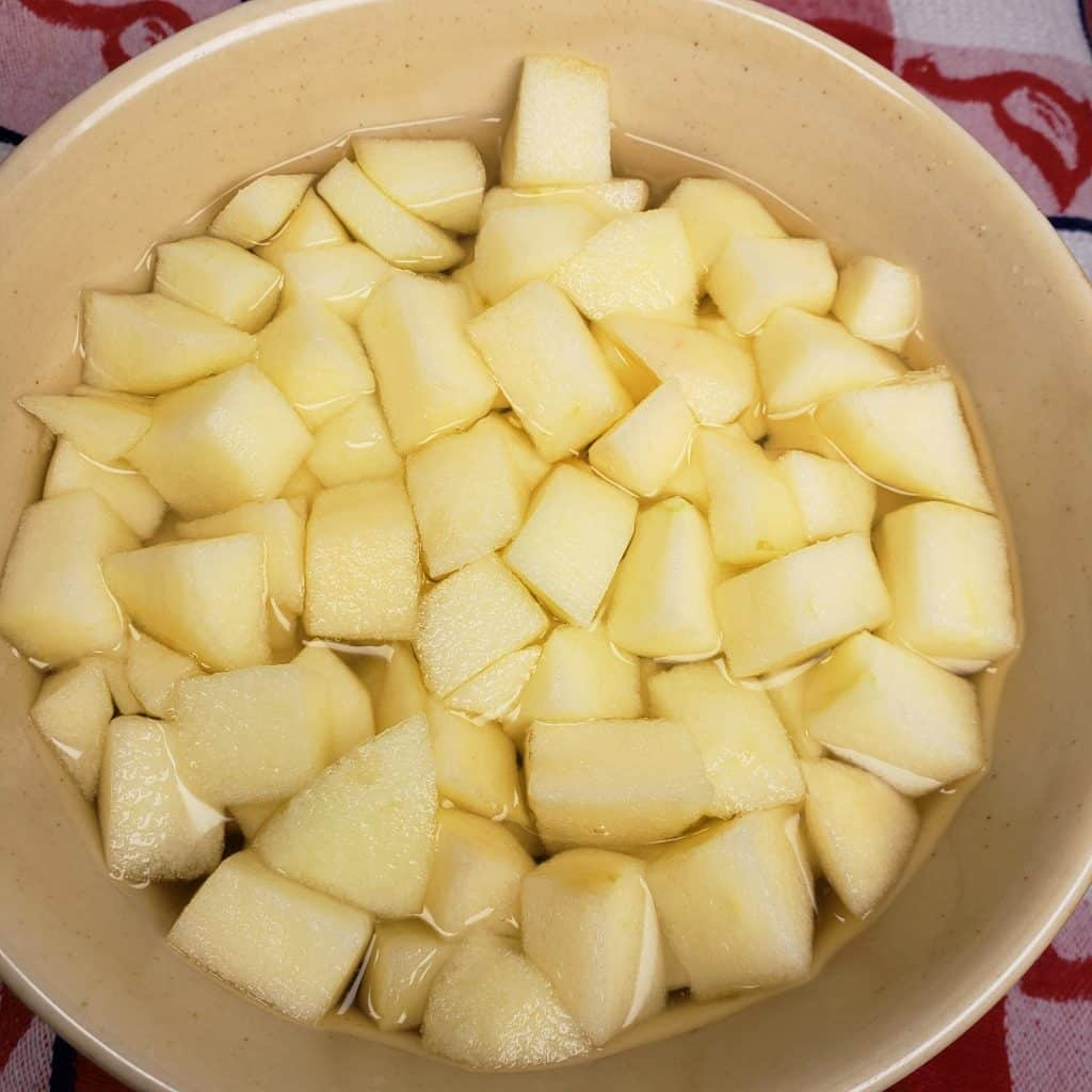 Diced Apples in Water with Lime Juice