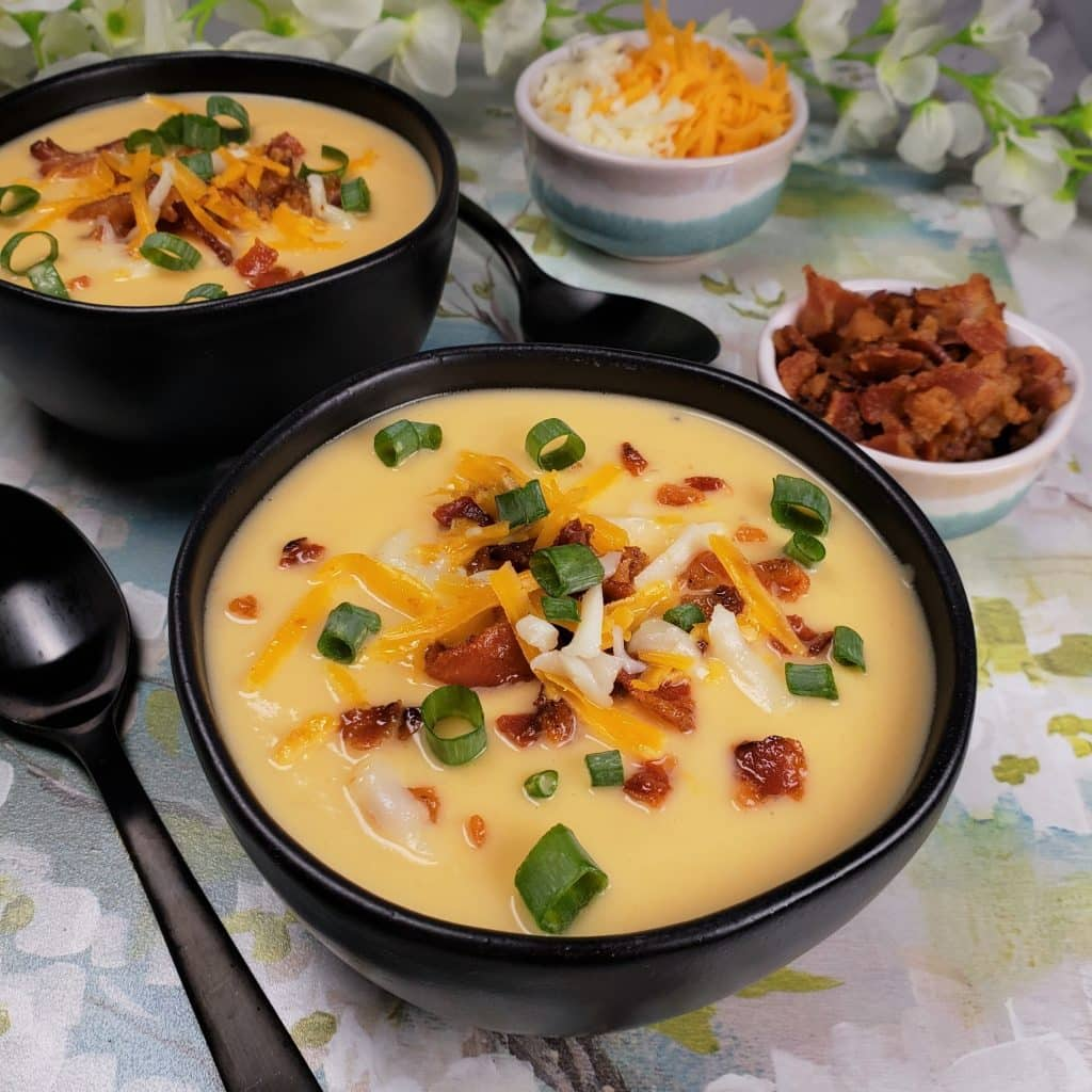 Pressure Cooker Low Carb Cheesy Cauliflower Soup