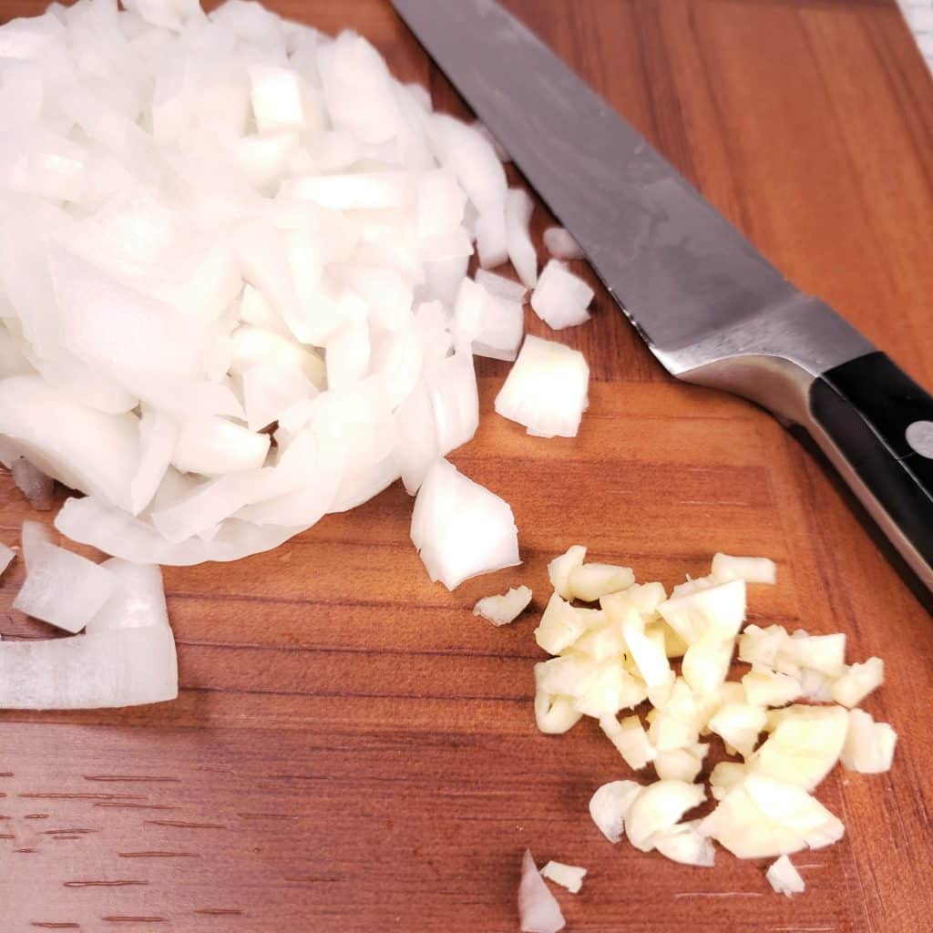 Diced Onions, Minced Garlic