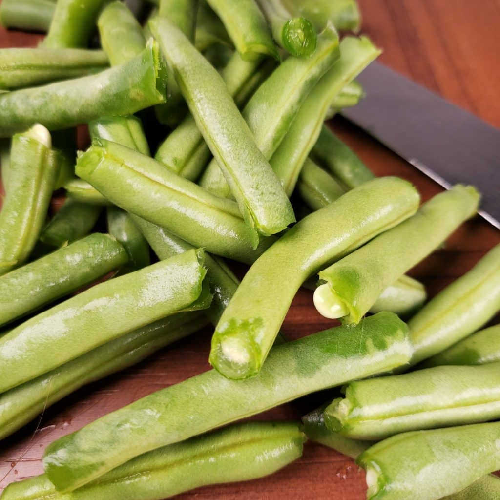Trim Green Beans, Remove Strings