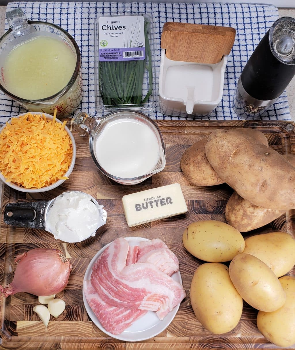 Cast of Ingredients for Instant Pot Baked Potato Soup