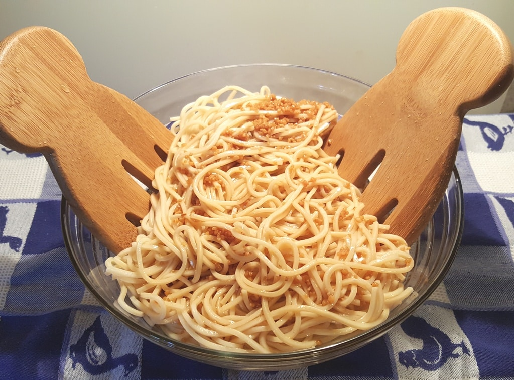 Mix Sesame Garlic Sauce into Hot Chinese Noodles